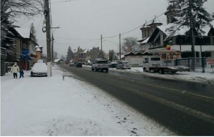 Situatia drumurilor, sâmbătă dimineaţa, nu este perfectă, dar nici nu sunt artere blocate de zăpadă