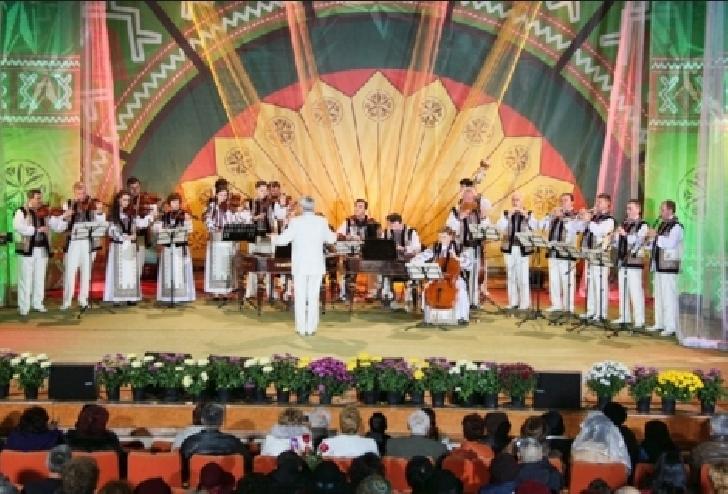 """Festivalul Concurs Naţional de Folclor """"Cunună de Cântec Românesc si-a desemnat castigatorii"""