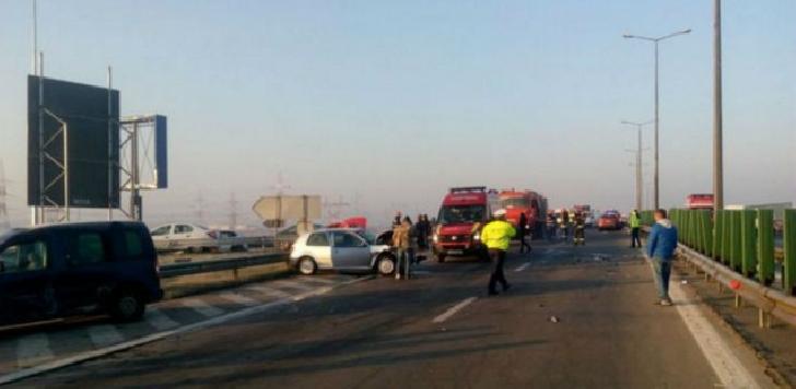 Pe autostrada Ploiesti – Bucuresti au avut loc accidente in lant,din cauza poleiului . Autoritatile dorm