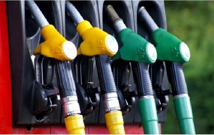 Anul 2019 a inceput cu scumpiri la carburanţi, ţigări, bere si electricitate