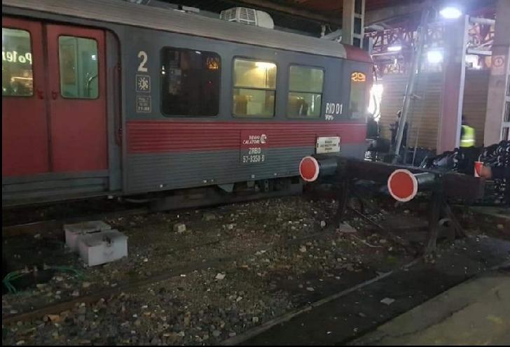 Incident în Gara de Nord  Bucuresti .Un  tren particular nu a oprit la timp. Trenul nu s-a oprit nici măcar în tampoanele de la capătul liniei