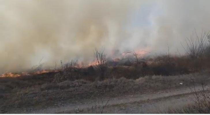 Prahova, mistuita de incendiile de vegetaţie uscata