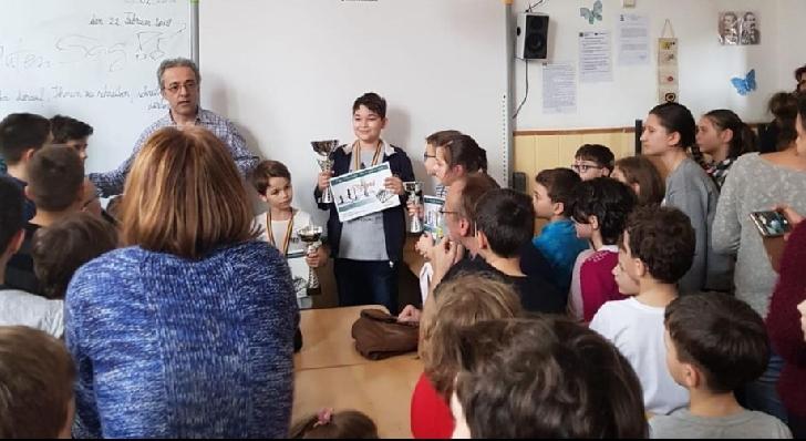 """Sportivii de la CSM Ploieşti, 6 medalii obţinute la Cupa """"Micul şahist"""""""