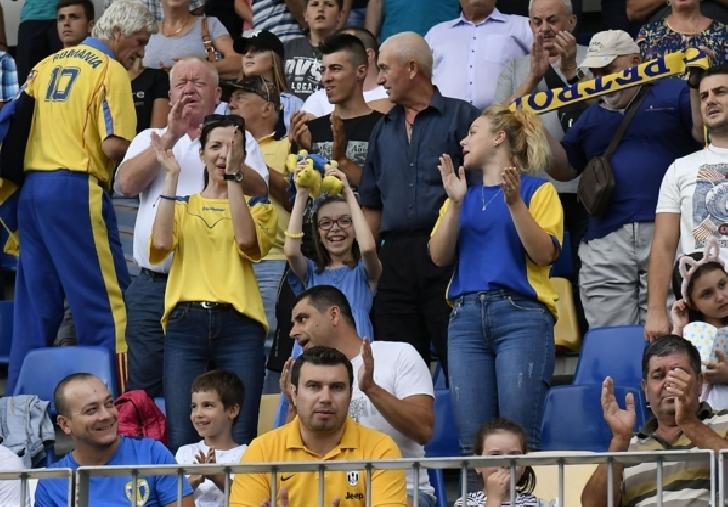 Surprize pentru suporteritele  echipei Petrolul Ploiesti,la meciul cu Metaloglobus Bucuresti