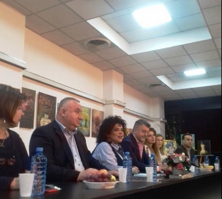 Surprize şi conferinţe dedicate celor 70 de ani de existenţă a Teatrului