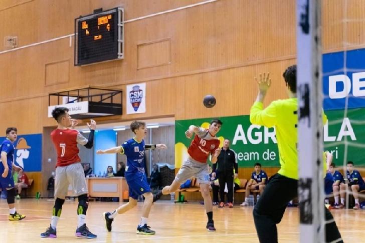CSM BACĂU - HC Dobrogea Sud Constanţa 43-36 (21-18) ,in Grupa  Principala
