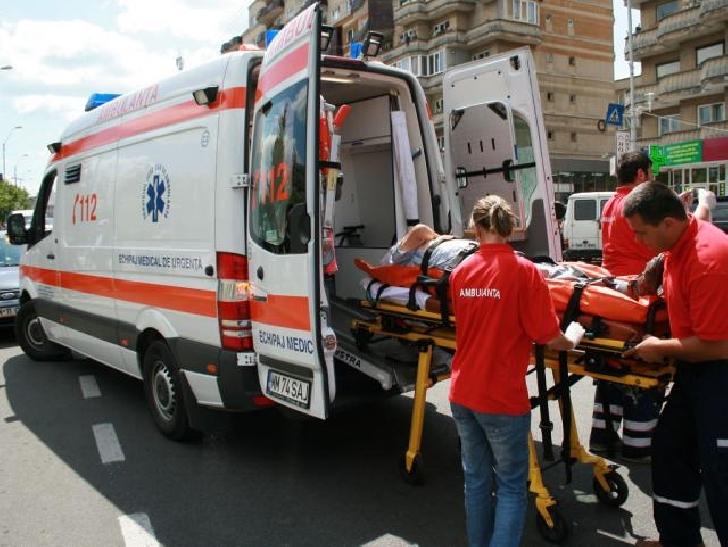 O bătrână în vârstă de 79 de ani a fost acroşată de un autoturism pe strada Gheorghe Grigore Cantacuzino