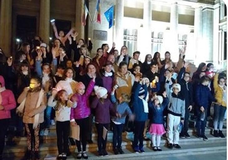 """De Ora Pamantului , la Ploiesti a avut loc spectacolul """" Unim România prin muzică """""""