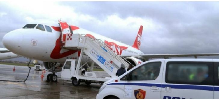 Jaf ca in filme pe aeroportul din Tirana