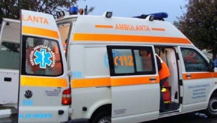 Un bărbat a căzut dintr-un autobuz, pe traseul 35