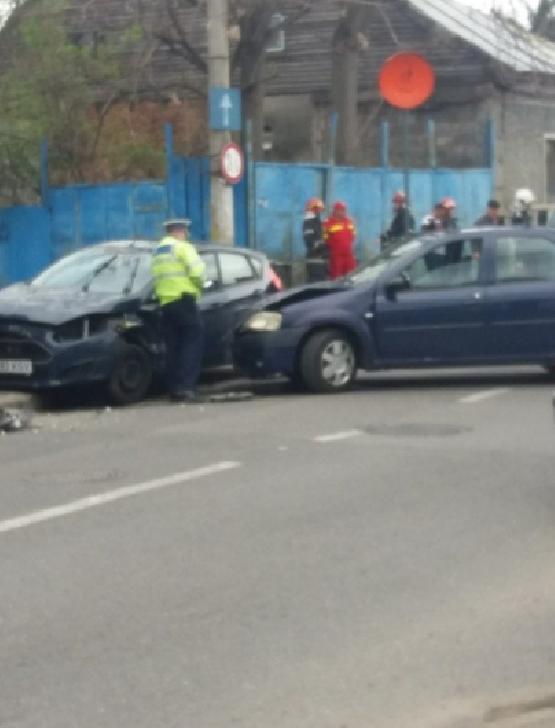Duminica a avut loc un accident rutier la intersecţia străzilor Radu de la Afumaţi şi Găgeni