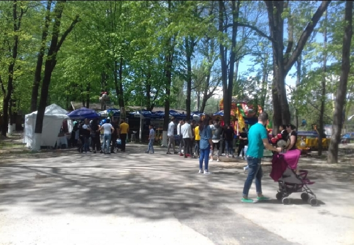 Parcul Bucov a părut neîncăpător în prima zi de Paşte