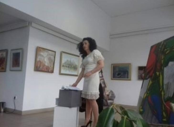 """Un altfel de răspuns al timpului asupra vieţii"""", noua carte lansată de profesoara CLAUDIA TĂNASE"""