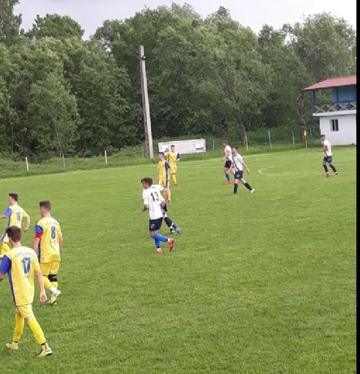 CS Măneşti 2013 Coada Izvorului - Unirea Urlaţi 2-0 (la juniori)