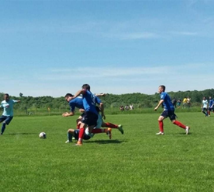 CS MĂNEŞTI 2013 COADA IZVORULUI victorie categorică împotriva echipei AS Strejnicu