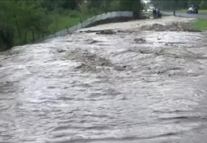 Tragedie la Breaza. Un barbat în vârstă de 42 de ani dat dispărut şi căutat în râul Prahova a fost găsit mort