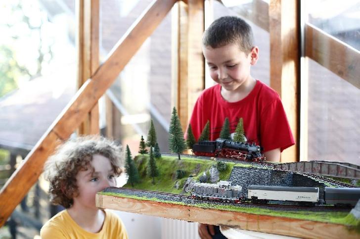Poftiţi în Vagoane - Expozitie de modelism feroviar la Ploiesti