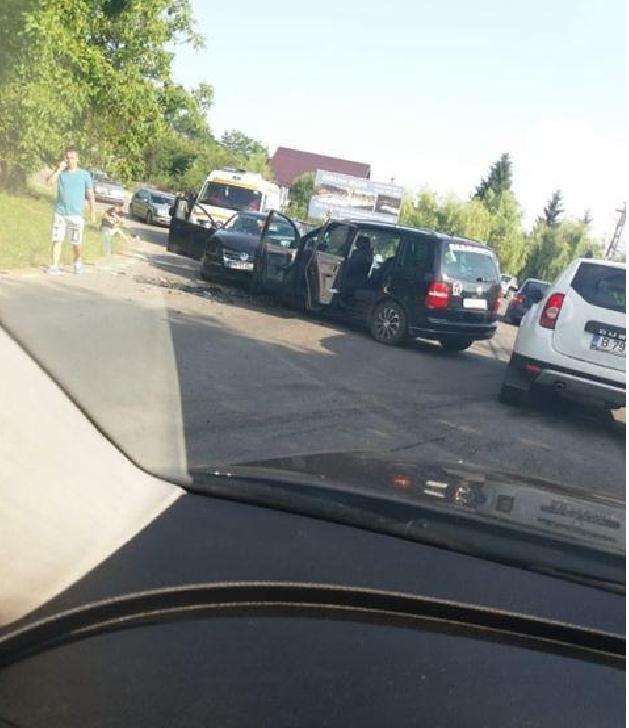 Accident rutier (grav) în localitatea Poiana Vărbilău
