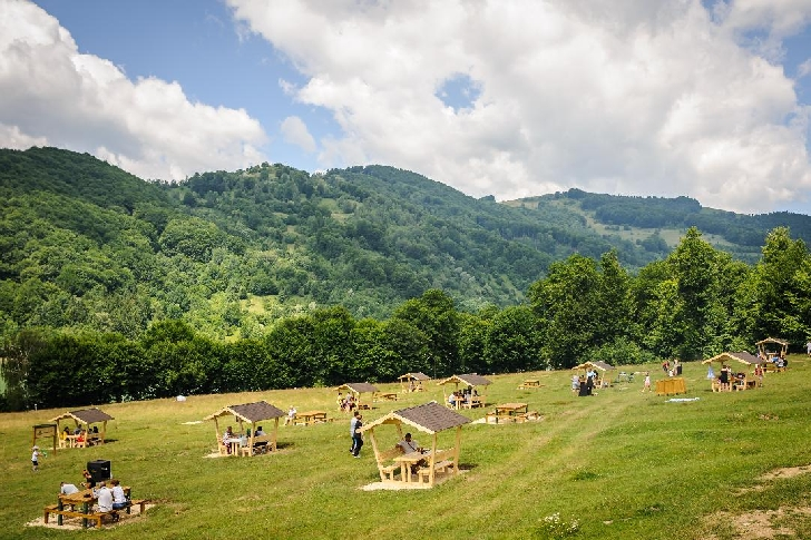Ciucaş continuă programul naţional al locurilor de relaxare şi l-a inaugurat şi pe  Valea Doftanei (foto si video )