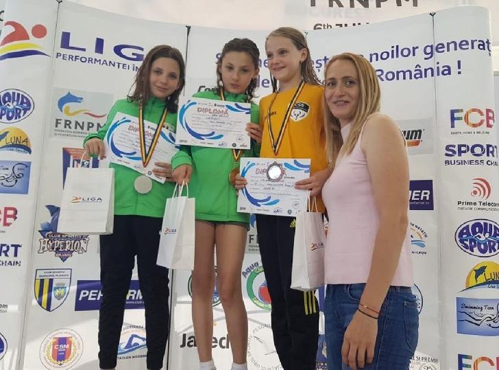 """Înotătorii de la CSM Ploieşti ,46 de medalii la Cupa """"Ziua Naţională a Înotului"""