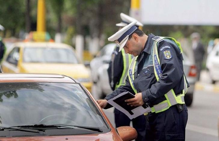 24 de amenzi date de poliţiştii rutieri pe raza localităţii Dumbrava