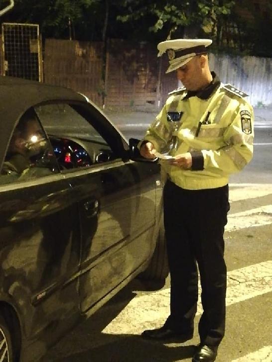 ACŢIUNE A POLIŢIŞTILOR PRAHOVENI, ÎN VEDEREA DEPISTĂRII CONDUCĂTORILOR AUTO AFLAŢI SUB INFLUENŢA ALCOOLULUI SAU A DROGURILOR