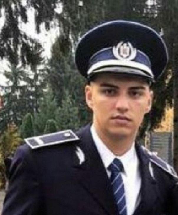 Un poliţist ploieştean a salvat un tânăr de la înec