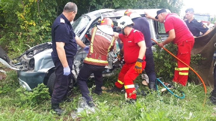 Accident rutier grav în zona Bauelemente, pe DN 72