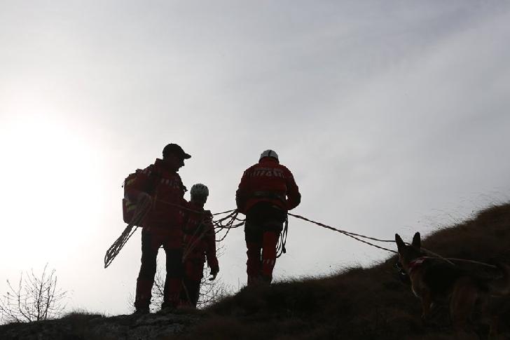 Turişti rătăciţi de 24 de ore în Munţii Făgăraş, găsiţi de jandarmi şi salvamontişti