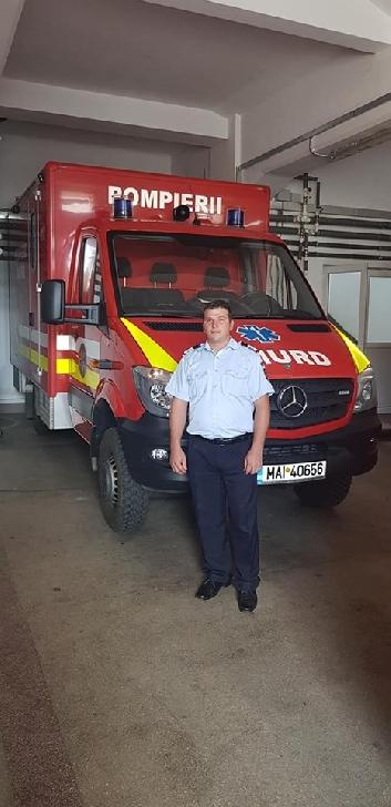 Eroul de la ISU Prahova.Un pompier a salvat viaţa unui băieţel, luat de apele învolburate ale râului Proviţa