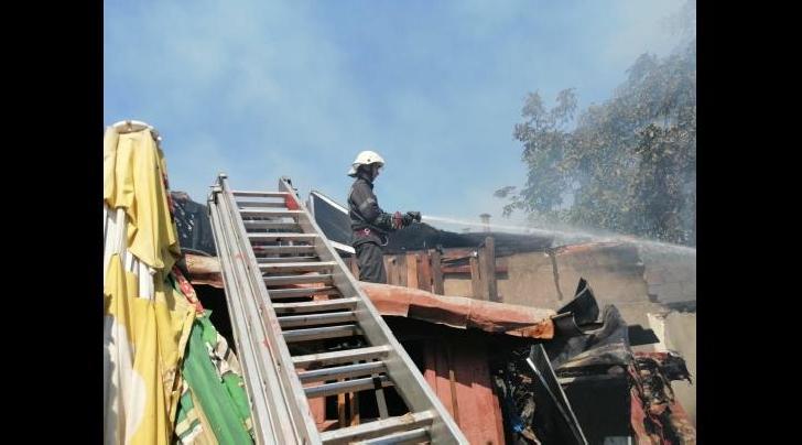 Incendiu pe strada Victor Babeş din Ploieşti