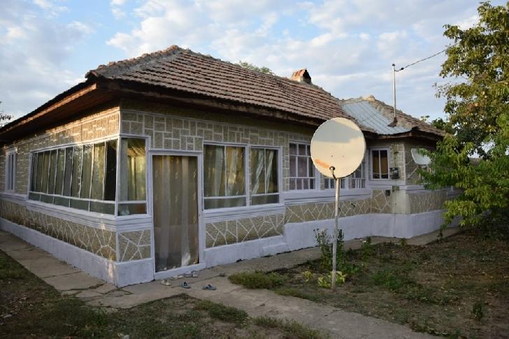 O fetita in varsta de 6 ani si familia sa,din satul Boldesti,au nevoie de ajutorul nostru
