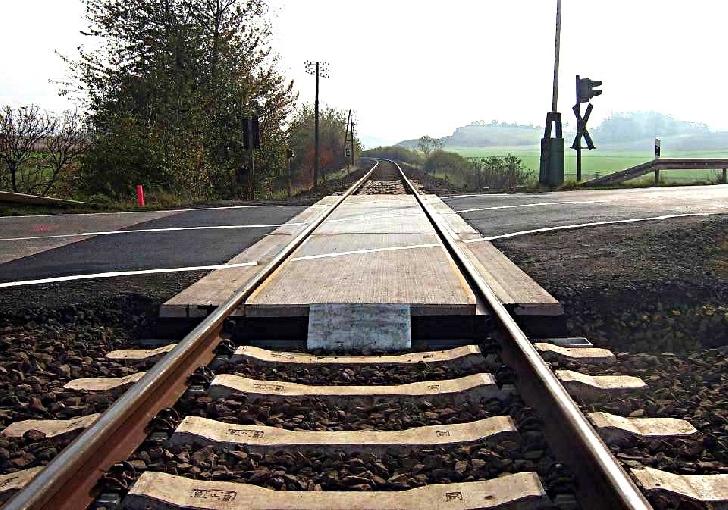 O tânără a fost lovită de tren, în Halta Muru