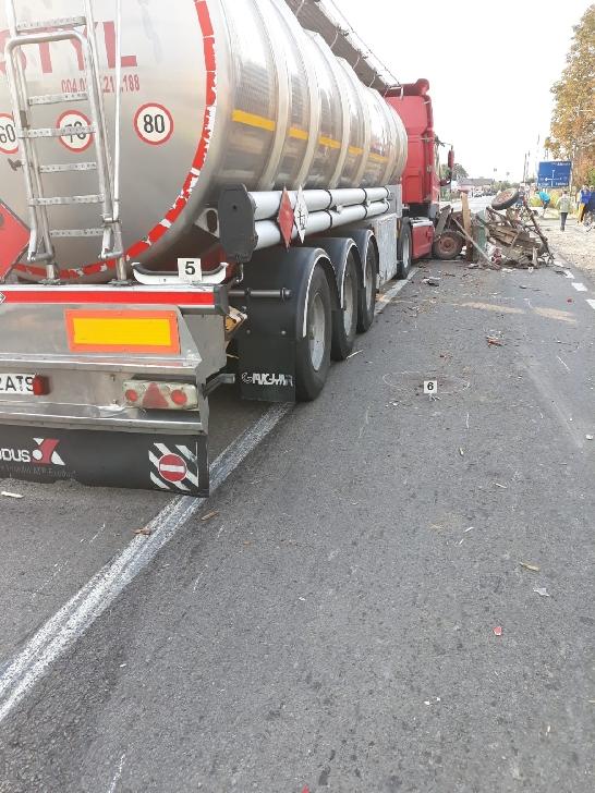 Accident grav la Ciorani. O căruţă a fost spulberată de un TIR