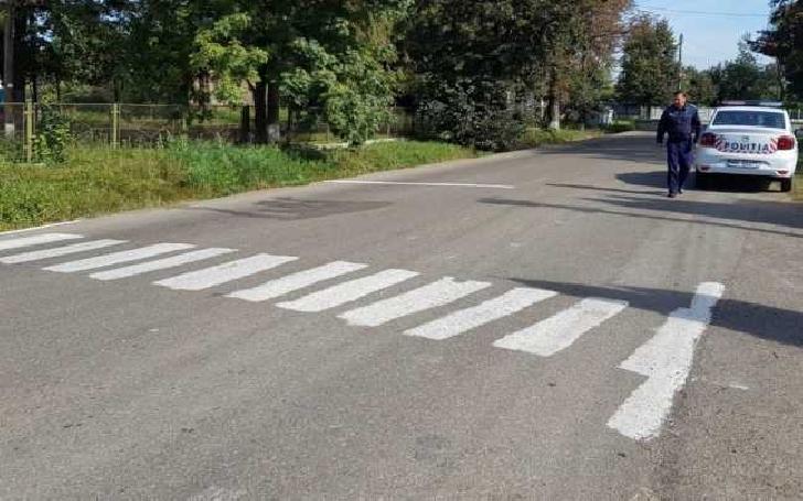Trei tineri din Ploieşti s- au ales cu dosar penal după ce au desenat o trecere de pietoni