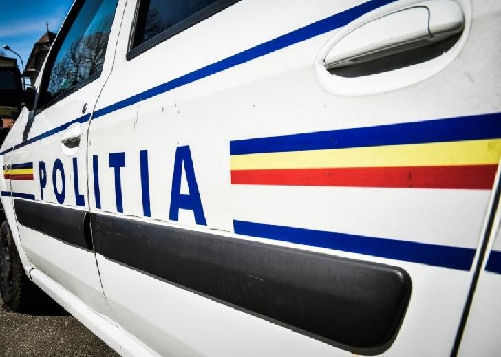 Un pieton a fost acroşat de un autoturism în zona Halelor Centrale
