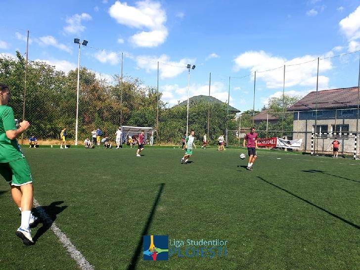 Campionatul Naţional de Fotbal UNSR 2019 s-a terminat. Studentii ploiesteni au terminat pe locul 3