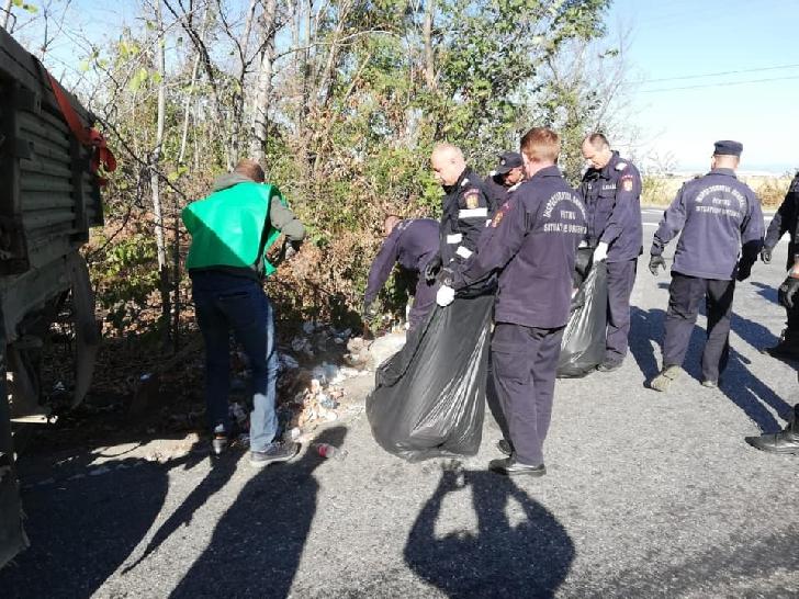Peste 90 de pompieri prahoveni au participat la campania Miscare pentru un Mediu Curat