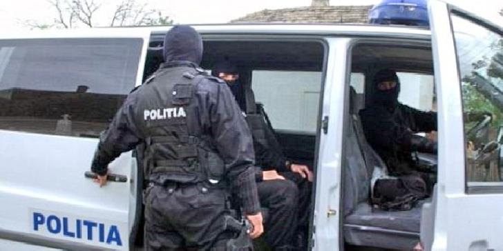Poliţiştii din Câmpina au efectuat percheziţii în Brăila la persoane bănuite de furt calificat