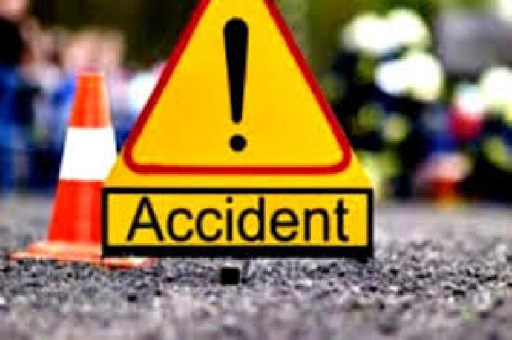 Accident între un autoturism şi motociclist, la Buşteni
