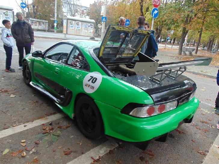 În weekend, la Ploieşti, a avut loc finala ediţiei inaugurale a Campionatului Naţional Klausenburg Retro Racing 2019