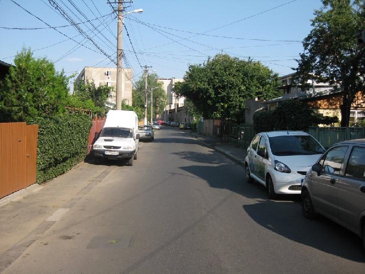 Primăria Municipiului Ploieşti a început  lucrările  de refacere a sistemului rutier pe strada Cozia
