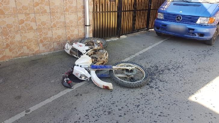 Accident rutier pe Centura de Est a Ploiestiului, între un motociclist şi autoturism