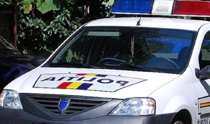 Poliţiştii ploieşteni au surprins în flagrant o femeie care a sustras suma de 450 lei din buzunarul unui bărbat