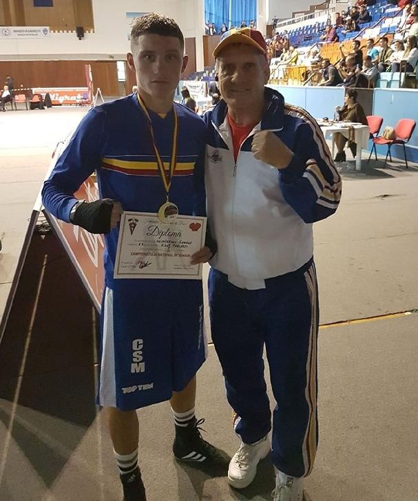 Boxerul George Dumitrescu a devenit campion naţional de seniori, la Târgu Mureş
