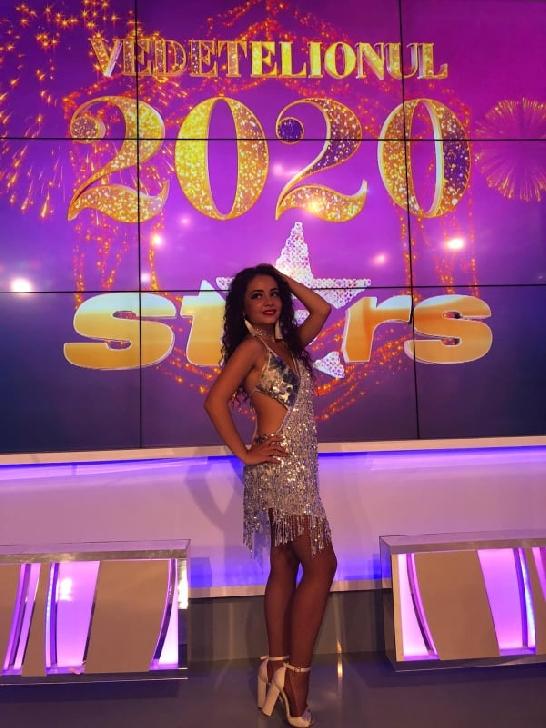 Andreea Munteanu are ca pasiuni, dansul şi cititul