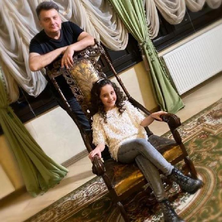 Miriam Stoica, la 10 ani are nenumărate premii şi apariţii tv.(foto si video )