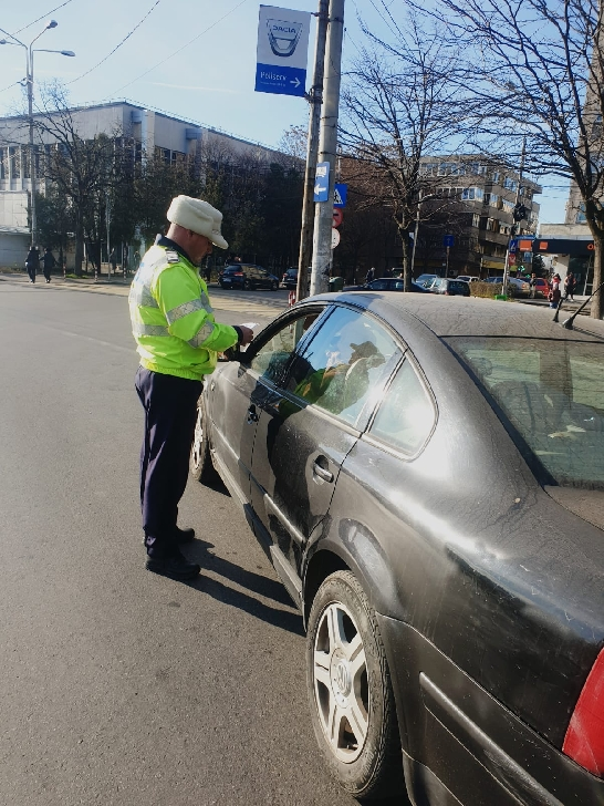 Poliţiştii rutieri din cadrul IJP Prahova  acţionează permanent pentru creşterea gradului de siguranţă rutieră pe drumurile publice şi prevenirea accidentelor rutiere