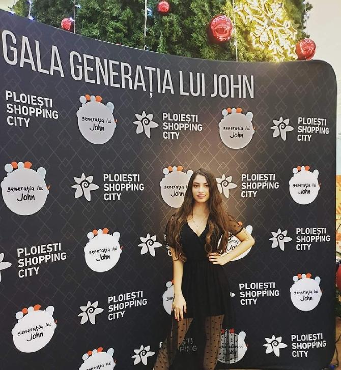Interviu în exclusivitate cu Alexandra Putanu, tânăra cu un CV impresionant în televiziune, actorie şi blogging