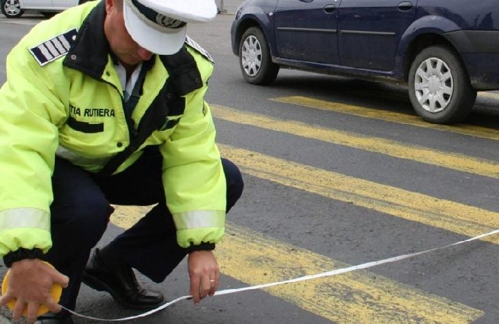 O femeie a fost accidentată pe o trecere de pietoni din Boldeşti Scăieni